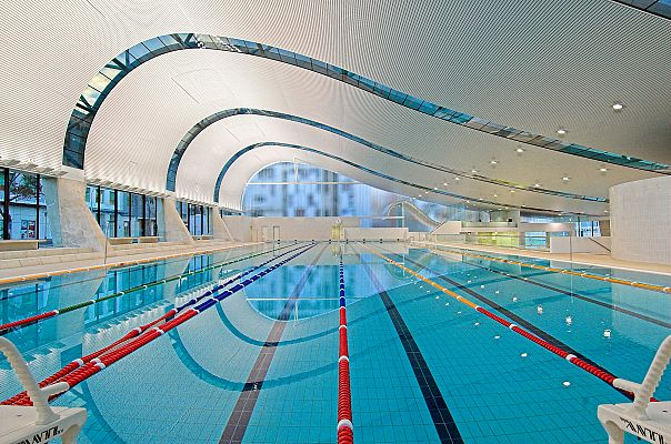 Inside Ian Thorpe Aquatic Centre. Photo: Dirk Meinecke. © Harry Seidler & Associates